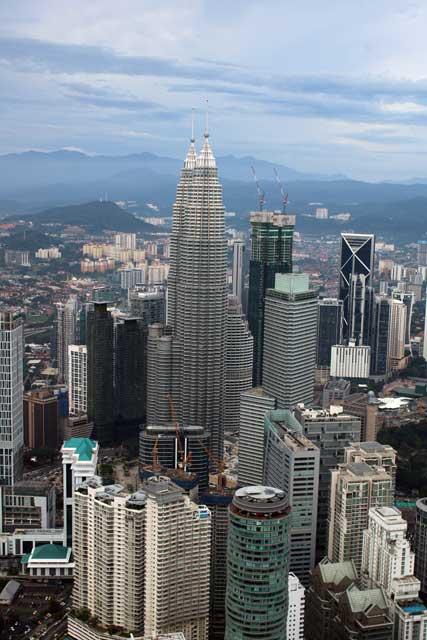 Petronas Twin Towers - vanaf Kuala Lumpur Toren overdag