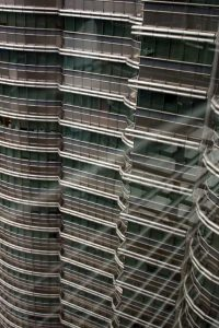 Petronas Twin Towers - spiegeling vanaf de Skybridge