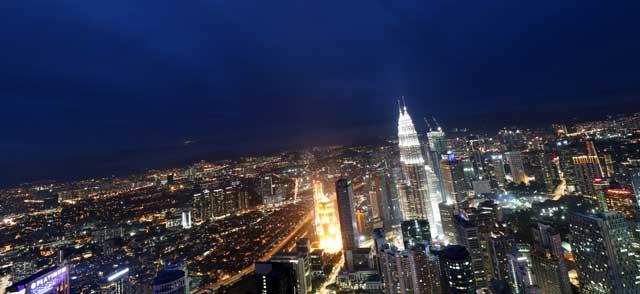 Skyline Kuala Lumpur bij nacht