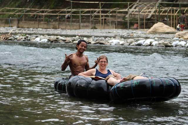 Orang-oetans in Bukit Lawang: Lianne op het raft
