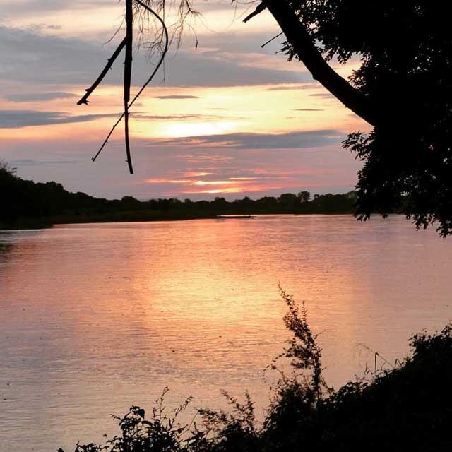Tien populairste Instagram foto's na een jaar - Zonsondergang in boven de rivier Luangwa in Zambia