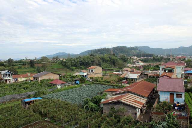 Eerste tien uitzichten van verblijfplaatsen tijdens wereldreis - Berastagi