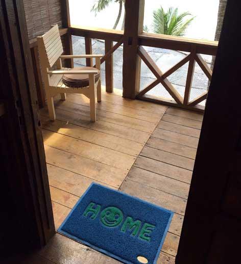 Eerste tien uitzichten van verblijfplaatsen tijdens wereldreis - home deurmat