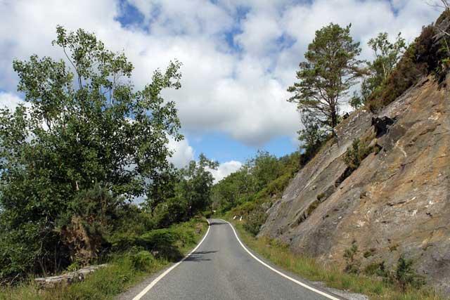 Eenbaansweg naar Ardnamurchan in Schotland