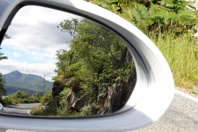 Eenbaansweg vanaf Salen naar Ardnamurchan in Schotland