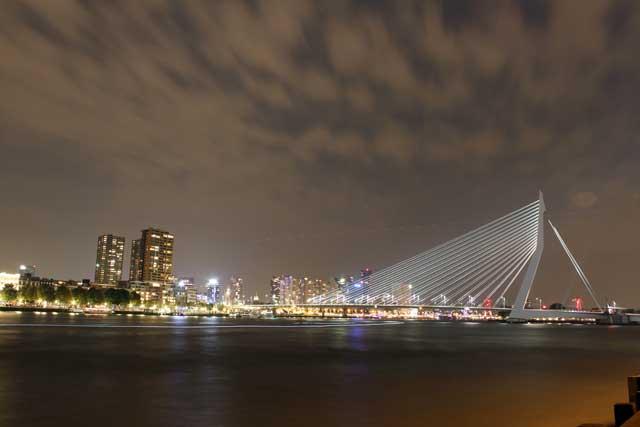 Workshop nachtfotografie - Mijn eerste nachtfoto op statief van de Erasmusbrug in Rotterdam