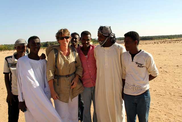 Sudan in dertien portretten - Op de foto met Sudanese studenten bij Jebel Karbal