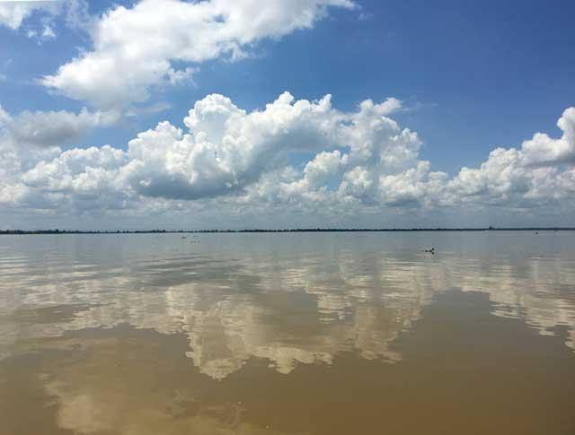 Mahakam rivier in Kalimantan: Het uitgestrekte Jempang meer