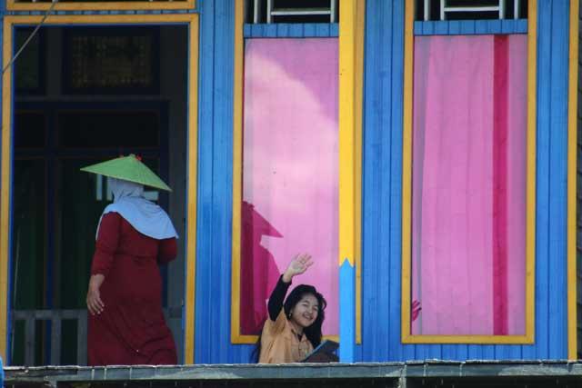 Mahakam rivier in Kalimantan: Korte ontmoetingen langs de (rivier) Sungai Ohong