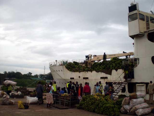 Serengeti en Ngorongoro in Tanzania - Met de boot van Uganda naar Tanzania over het Victoriameer