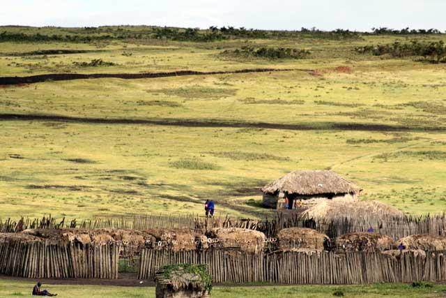 Serengeti en Ngorongoro in Tanzania - Masai dorp in de buurt van Ngorongoro