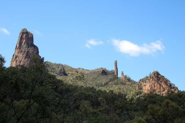 Breadknife en Grand High Tops wandeling in Warrumbungle Nationaal Park, New South Wales, Australië - Spirey View in Warrumbungle Nationaal Park